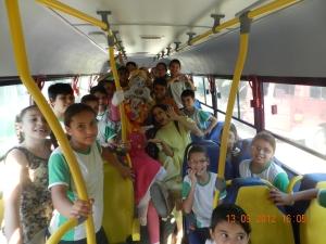 Os Brinquedos da Bebel em Capela do Alto - SP - no ônibus escolar!